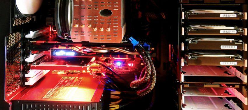 Testowanie chłodzenia komputera.